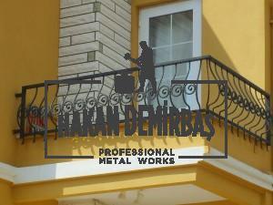ferforje modellerinden ferforje balkon korumalığı örneği izmir ferforje Hakan Demirbaş